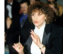 Maestro Claudia Simpson-Jones